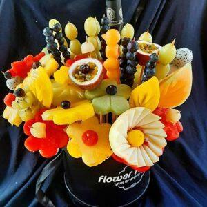 זר פירות אוהבים